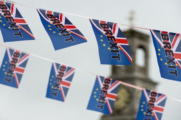 لجنة بريكست البريطانية تريد خطة مفصلة للخروج