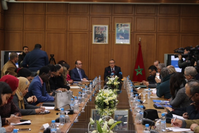 وزير المالية والاقتصاد المغربي خلال مؤتمره الصحافي