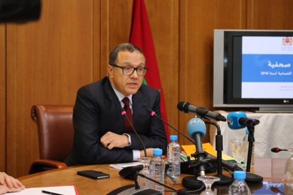 وزير المالية المغربي يؤكد عزم بلده على تحرير سعر الصرف