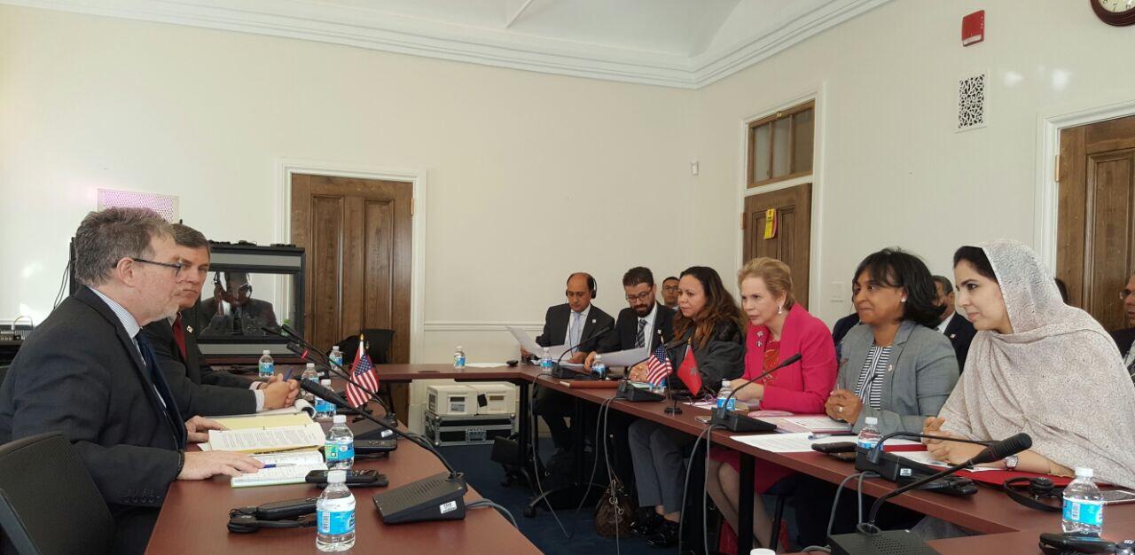 الوفد المغربي خلال مباحثاته مع المسؤولين اللميركيين في واشنطن