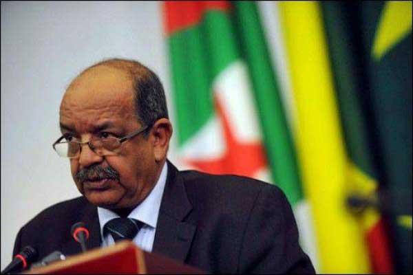 البنوك وشركة الطيران المغربية يعتزمون مقاضاة وزير خارجية الجزائر