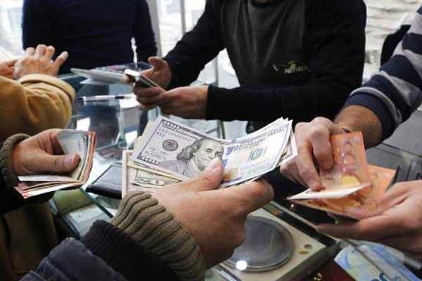 عشرات من المعتقلين في السجون الايرانية للتلاعب في العملة
