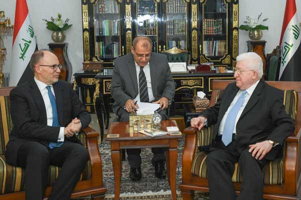 معصوم مجتمعًا مع السفير الأميركي في العراق