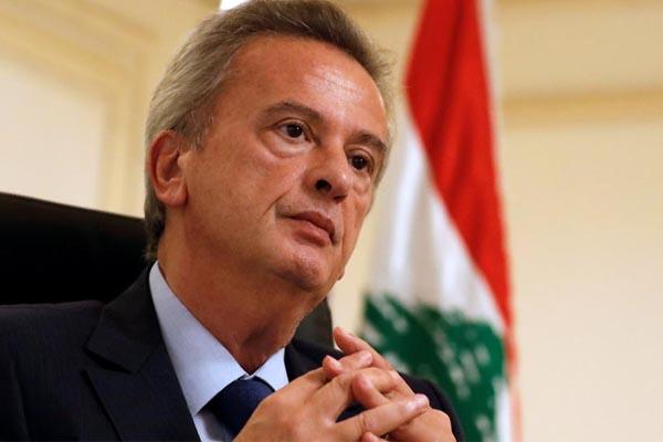 حاكم المركزي اللبناني سيمنع سحب الدولار من ماكينات الصرف