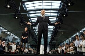 الرئيس الفرنسي يتحدث إلى مجموعة من رواد الأعمال في باريس