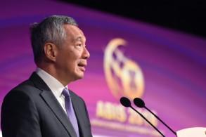 نداء لفتح الأسواق في مستهل قمة آسيان في سنغافورة