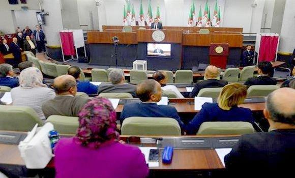 البرلمان الجزائري خلال تصويته على موازنة العام 2019 - صورة لوكالة الانباء الجزائرية الرسمية