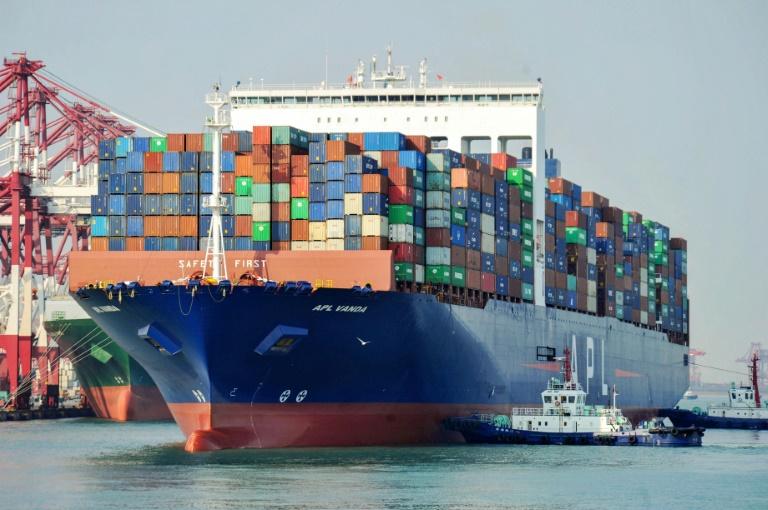 صورة التقطت بتاريخ 1 نسان/ابريل 2019 تظهر سفينة شحن أميركية في ميناء كينغداو في شرق الصين