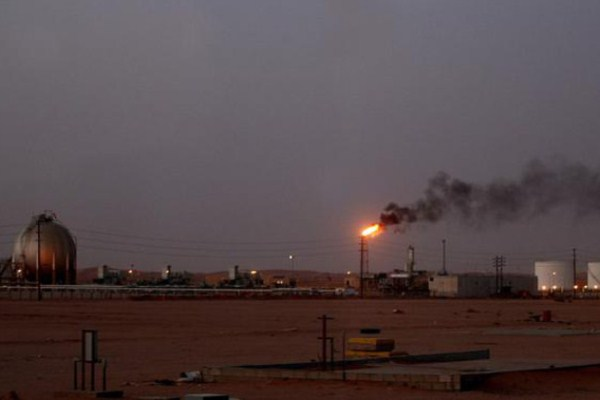 أسعار النفط ارتفعت بشكل محدود بعد تعرض السعودية لهجوم استهدف محطتين لضخ النفط
