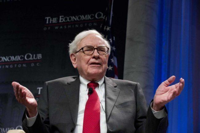 الملياردير الشهير وارن بافيت يقدم وصفته للنجاح في عالم المال والأعمال