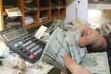 إقرار الموازنة يقلق اللبنانيين من احتمال ارتفاع الأسعار
