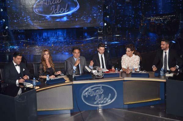 صورة من المؤتمر الصحفي الذي أعقب فوز حازم شريف بلقب الموسم الثالث من برنامج أراب أيدول