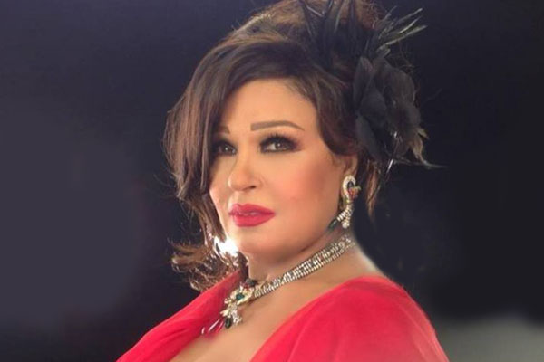 فيفي عبده تشارك الجمهور فيديو رقصهابالجلابية