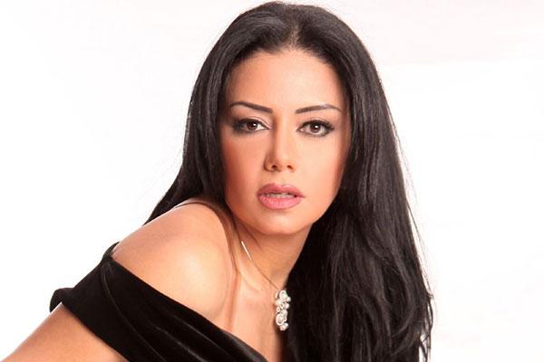 رانيا يوسف في ورطة بعد