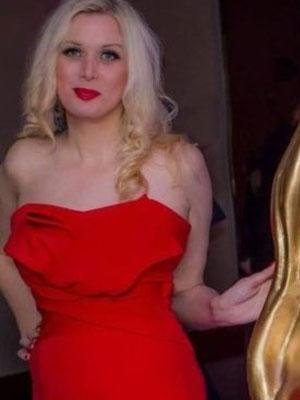 وفاة ممثلة بريطانية بعد جمعها تبرعات لتمويل تكاليف جنازتها