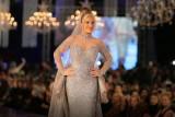 نيكول سابا تُشعِل مواقع التواصل بكلفة الفستان المرصع بالألماس