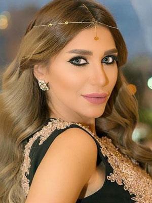 سارة نخلة تلاحق طليقها قضائياً