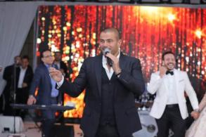 عمرو دياب خلال الحفل