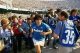 مارادونا يطالب محبيه بمقاطعة الوثائقي عن حياته