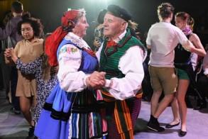 من أجواء رقصات المازوركا