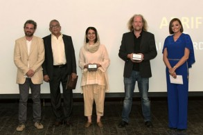 الفائزون بالجوائز