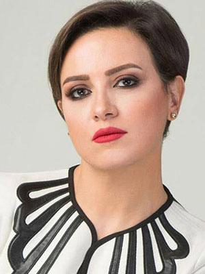 ريهام عبد الغفور غاضبة من التعليقات على صورة ابنها