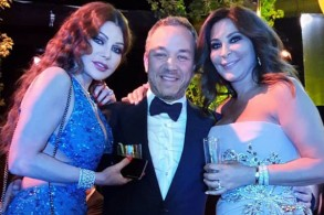بسام فتوح يتوسط إليسا هيفاء