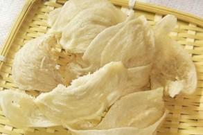 أعشاش الطيور الصغيرة المصنوعة من لعابها والتي تتحول الى الحساء الأغلى في العالم