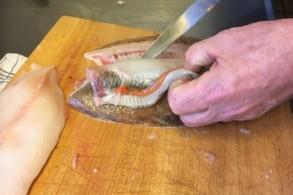 فصل اللحم عن العظم