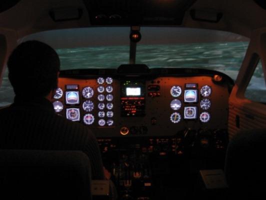 قائد طائرة في رحلة جوية