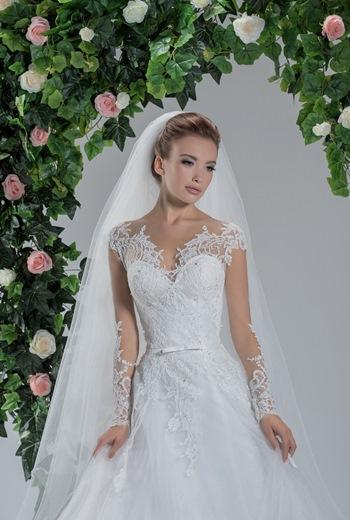 ca764d612812c المصمم ساهر ضيا يطلق تشكيلة جديدة لفساتين الأعراس