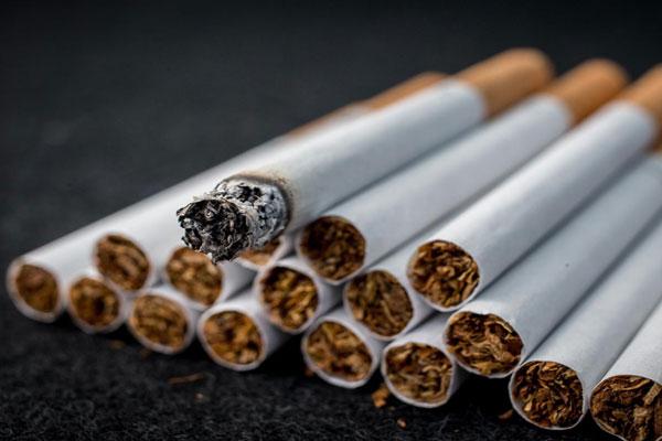 أكبر شركة لإنتاج السجائر تعمل على إيجاد بدائل أقل ضررًا