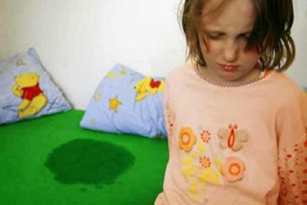 التبول اللاردي لدى الأطفال أسبابه وسبل علاجه