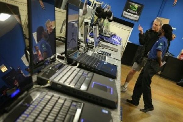 مبيعات الحواسيب الشخصية تواصل تراجعها