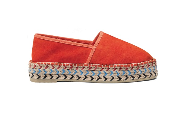 سانتوني تطلق أحذية الربيع والصيف