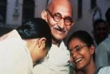 هل دعا غاندي النساء للامتناع عن المعاشرة الجنسية؟