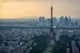 الشرطة الفرنسية تضبط عشرين طنا من مجسمات برج إيفل الصغيرة