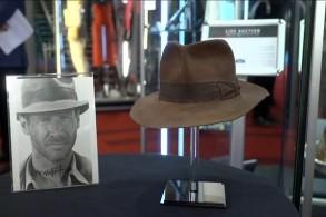 قبعة إنديانا جونز الشهيرة تباع بأكثر من نصف مليون دولار