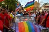 كوبا تعدل عن إدراج زواج المثليين في دستورها الجديد