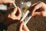 تدخين الحشيش مرة واحدة يُغير دماغ المراهق