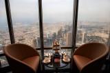 برج خليفة يفتتح المطعم الأعلى في العالم!