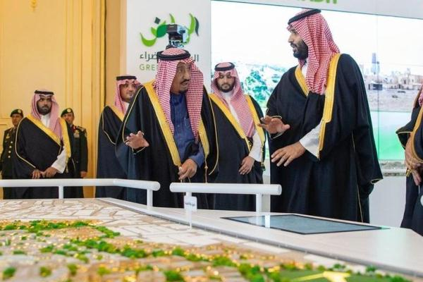 الملك سلمان يطلق 4 مشاريع كبرى في الرياض