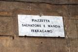إطلاق اسم سالفاتوري وواندا فيراغامو على أحد ميادين مدينة فلورنسا