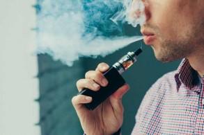 بعض أنواع السجائر الالكترونية يسبب أمراضًا رئوية حادة