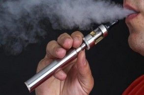 السجائر الإلكترونية تؤدي الى تلف الأوعية الدموية