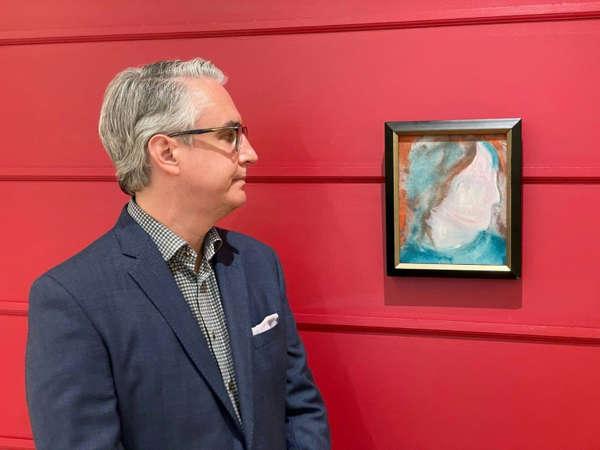 لوحة للمغني ديفيد بووي تتجاوز التقدير الأولي لثمنها في مزاد كندي