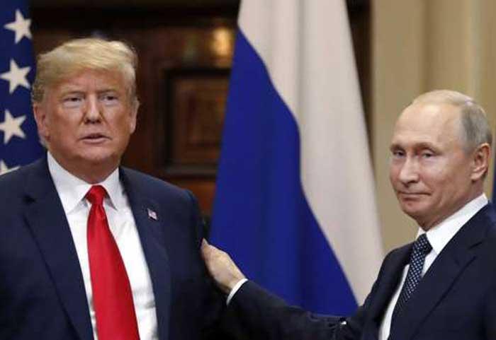 بوتين وترمب في مؤتمرهما الصحفي المشترك في هلسنكي