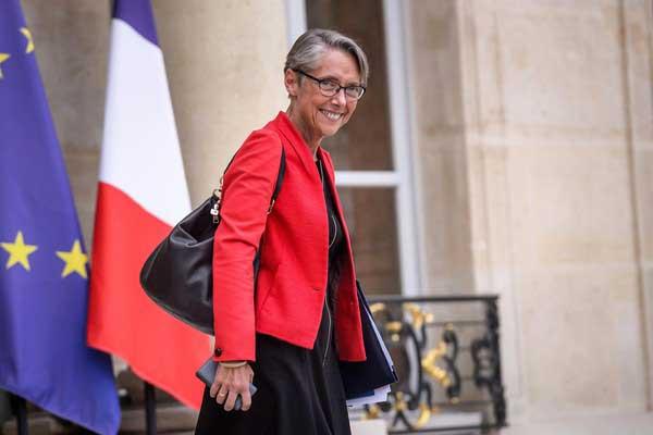 وزيرة النقل الفرنسية إليزابيت بورن