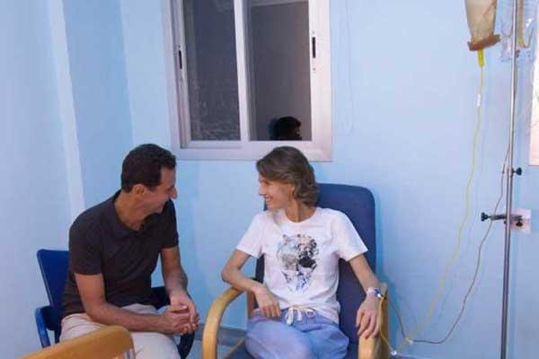 اسماء الأسد وبشار في صورة لهما في المستشفى حيث تتعالج