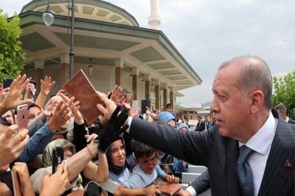 يحمل اردوغان الولايات المتحدة مسؤولية تدهور العملة التركية